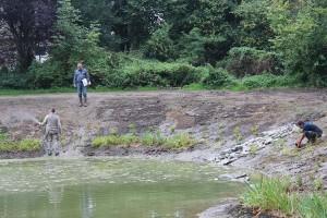 September 2012: Der Teich wird bepflanzt
